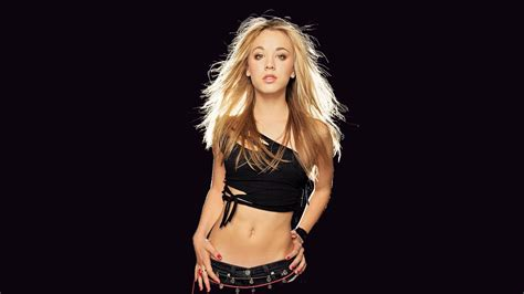 kaley cuoco wallpapers high quality