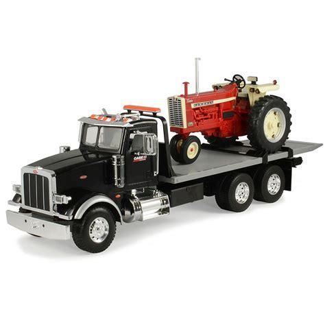 Case IH 1:16 Peterbilt Truck with Flatbed IH 1206 NF