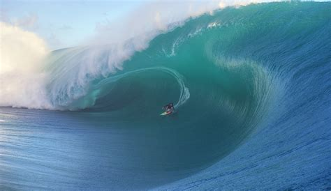 keala kennelly calls  inequality  womens big wave