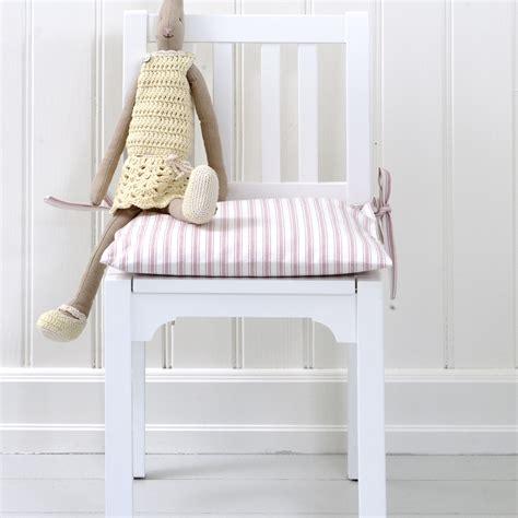 barnstol 2 6 229 r ryggh 246 jd 58 cm vit oliver furniture