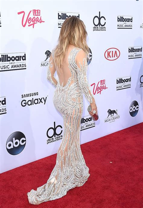 Nekādu šaubu, Dženifera Lopes joprojām izskatās satriecoši! #Fashion #celebrity #redca… (With ...