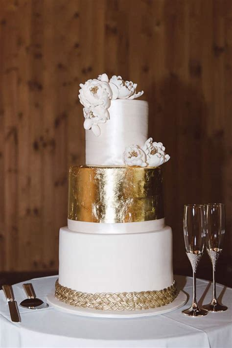 white and gold cake a classic estate wedding 1294