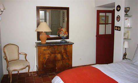 chambres d hotes avignon et alentours chambre d 39 hôtes domaine de bourgogne à puyricard avignon