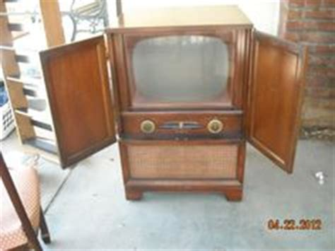 reused kitchen cabinets antique tv rca victor 1949 console cabinet 17 quot b w screen 1954