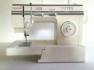 Singer 17 Stitch Sewing Machine Model 57817c Nj Pick