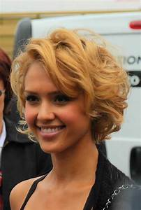 Elegant And Cute Hairstyles For Curly Short Hair Short