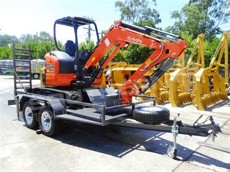 kubota   trailer southern tool equipment    earthmoving