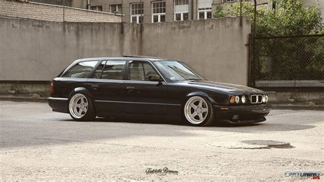 bmw stanced stanced bmw 525i touring e34 cartuning best car tuning