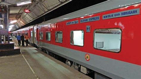 Delhi To Mumbai Train Special Rajdhani Express From New Delhi To Mumbai Starts