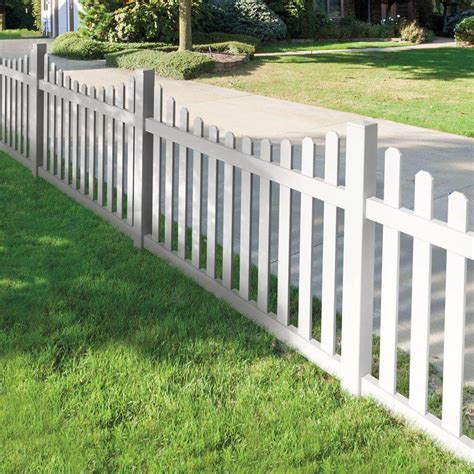 Backyard Fence Options by 75 Fence Designs Styles Patterns Tops Materials And Ideas
