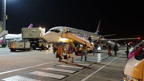 The fastest direct flight from cape town to johannesburg takes 1 hour and 55 minutes. Review of Mango flight from Johannesburg to Cape Town in ...