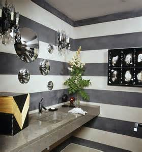 wall decorating ideas for bathrooms 5 amazing ideas for small bathrooms