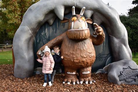 gruffalo arrives  chessington world  adventures