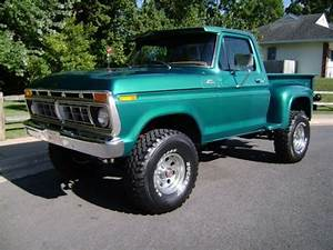 77 Ford 4x4 Short Step Side    There U0026 39 S A Couple Of These