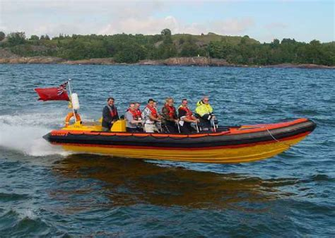 Inflatable Boat Kent by Boat Trips 1 Scene Setting