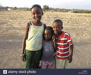 Ein Oder Zwei Kinder : jolly jovial joyful joyous stockfotos jolly jovial joyful joyous bilder seite 2 alamy ~ Frokenaadalensverden.com Haus und Dekorationen