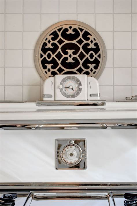 kitchen wall fan the whole kitchen but this may solve our vent