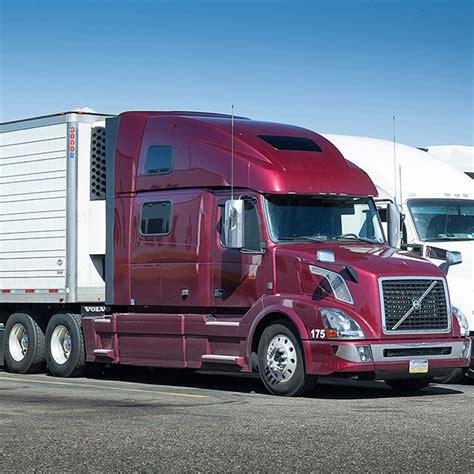 red volvo truck diesel truck idling red volvo sleepdroid studios