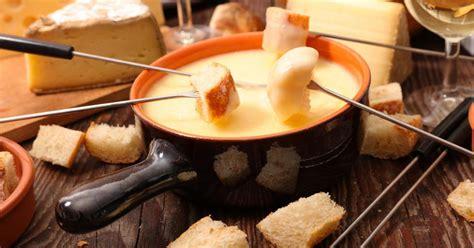schweizer kaese fondue rezept daskochrezeptde