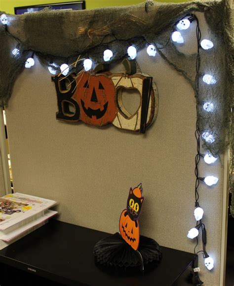 office decor halloween cubicle decoration pinterest