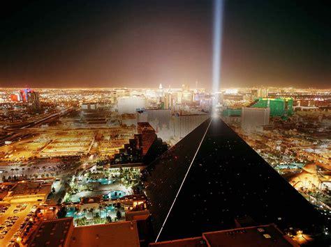 las vegas  night black luxor pyramid  skyline gradot nevada usa hd  background