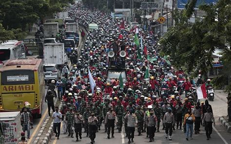 Protests, strikes in Indonesia against new jobs law enter ...