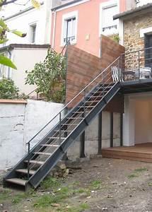 Escalier Extérieur En Bois : les 25 meilleures id es de la cat gorie rampe d 39 escalier ~ Dailycaller-alerts.com Idées de Décoration