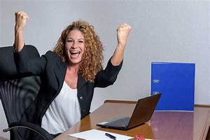 Cote De Travail Femme : femme dynamique au travail gagner ~ Dailycaller-alerts.com Idées de Décoration