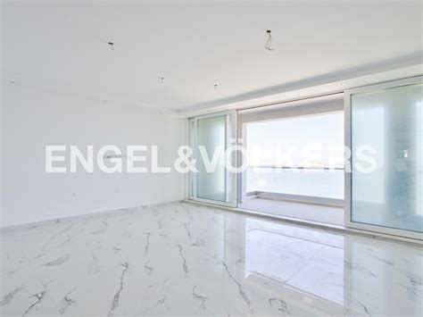 Seafront three bedroom apartment for rent in Bugibba