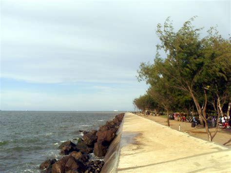 melewatkan akhir pekan  pantai marina jalan jalan