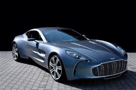 В Лондоне засекли суперкар Aston Martin One-77
