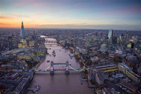aerial shots  london   stunning