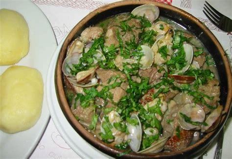 santos cuisine galinha e borrego frango frito á passarinho picture of o