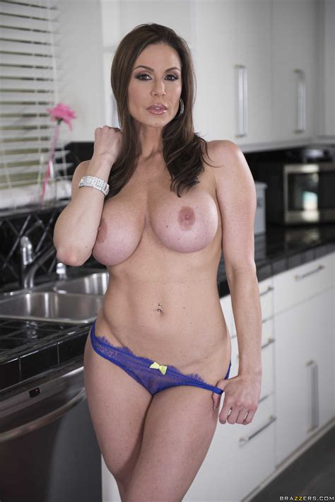 Big Titted Brunette Is Fucking Her Lover Photos Kendra