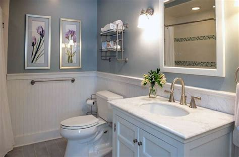 Country Wainscoting Ideas by 17 Best Ideas About Small Cottage Bathrooms On