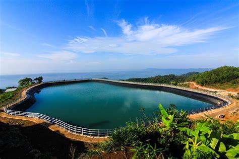 eloknya danau  atas bukit gunung kidul jogja wisata