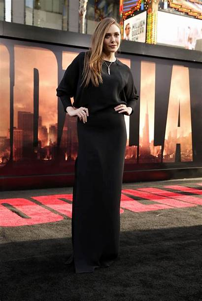 Olsen Elizabeth Godzilla Premiere Hollywood Filmofilia Sawfirst