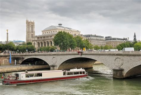 bureau change chatelet photo theatre du chatelet und pont au change in