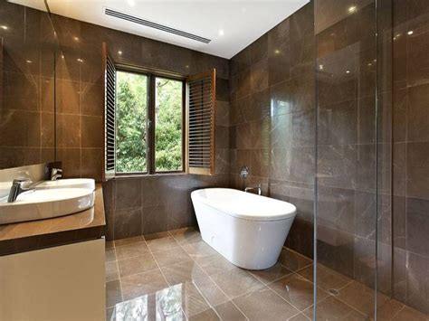 Country Bathroom Design With Freestanding Bath Using