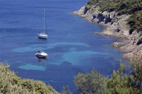 port cros ou porquerolles top 3 des endroits o 249 louer un bateau en cet 233 t 233 click boat