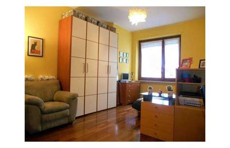 privato affitta appartamento appartamento   mq