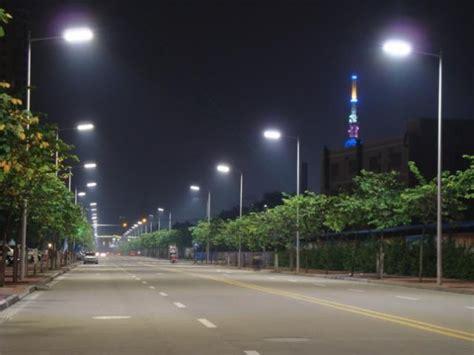 Lade A Led Per Illuminazione Pubblica by Quanto Costa Illuminare Strade E Piazze Openblog