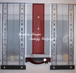 kleiner fernseher für die küche kleiner schwarz roter schiebevorhang für die küche gardinen deko