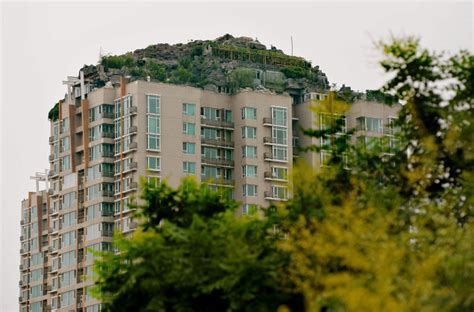 Apartment Living Neighbors by Mountaintop Penthouse Worries Neighbors In China New