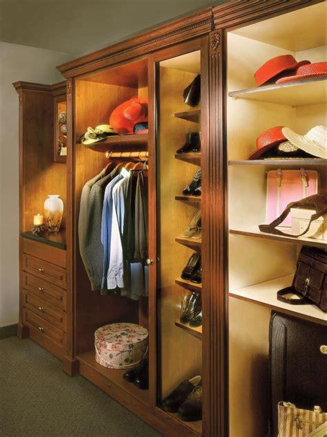 led closet lights enlighten  walk  closet