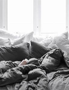 best 25 comfy bed ideas on pinterest grey fur throw With comfy pillows for bed