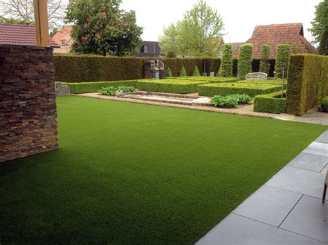 Why You Should Choose Artificial Grass Gardens Over Real