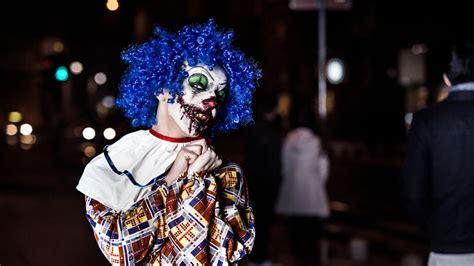 Teen arrested for 'Fontana Killer Clown' scare on social ...