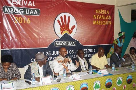 Le soleil du festival Mbog Liaa se lève à Douala - Armelle ...