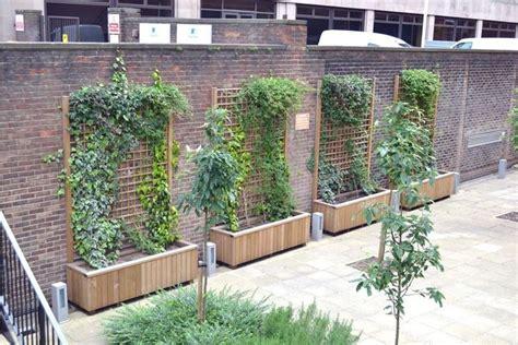 recinzione terrazzo grigliati in legno per terrazzo grigliati per giardino